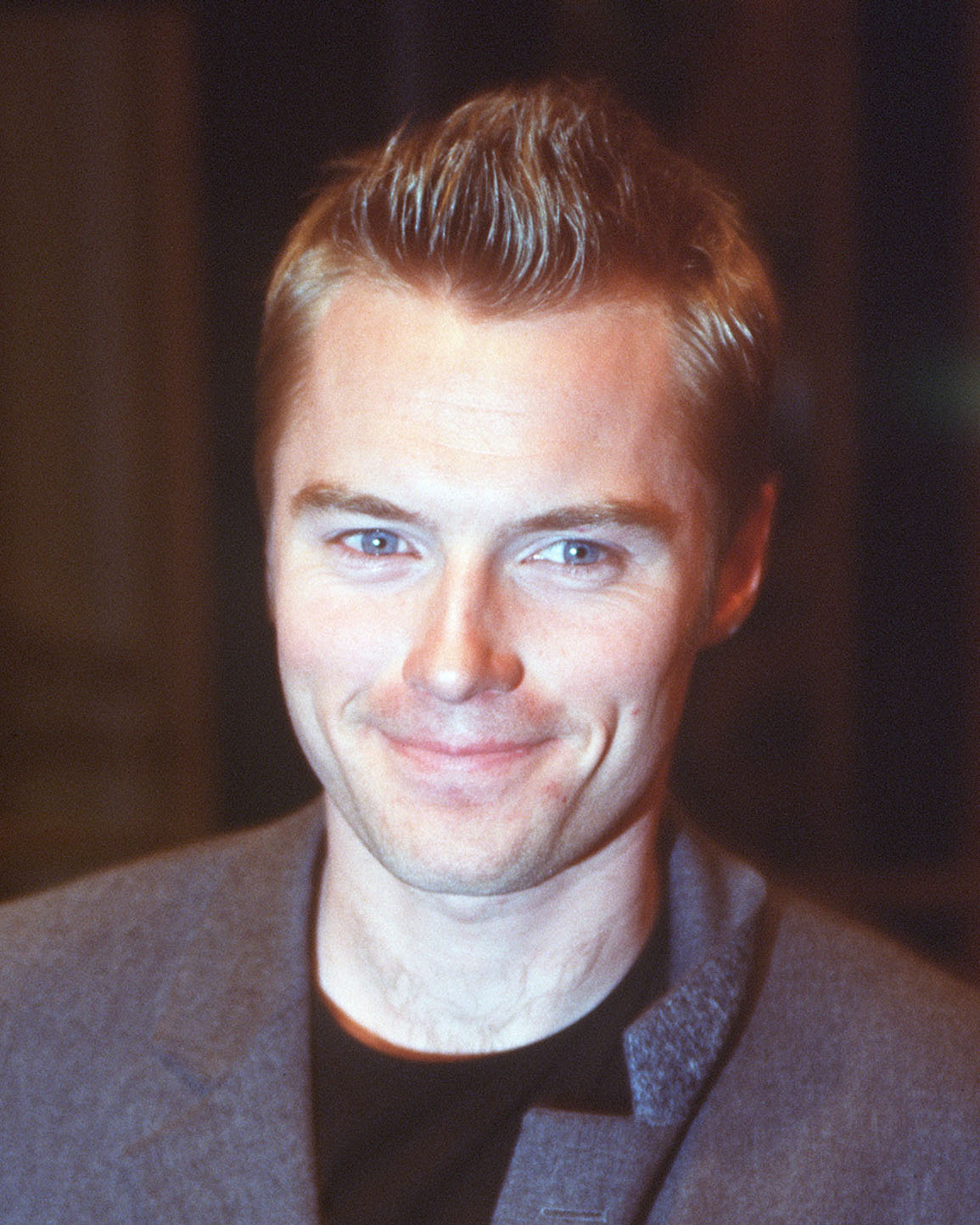 headshot portrait photo ronan keating